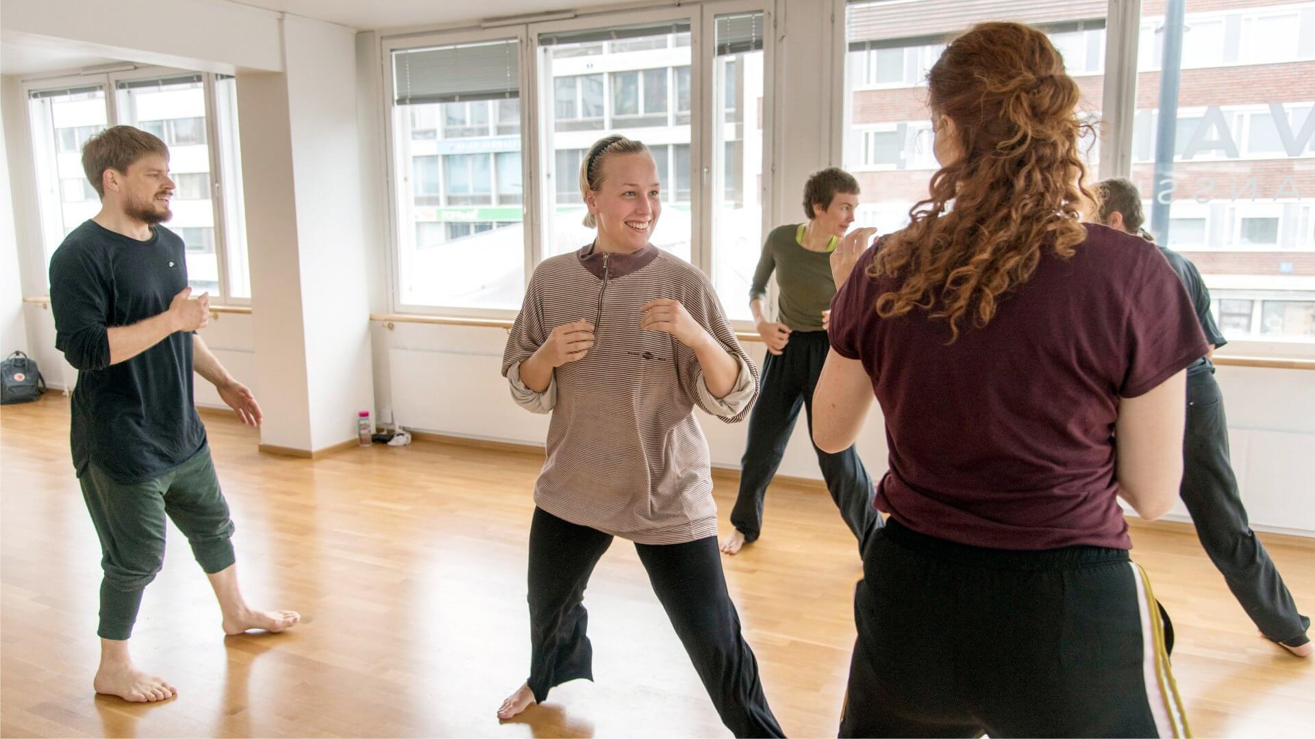 Kuva tanssityöpajasta.